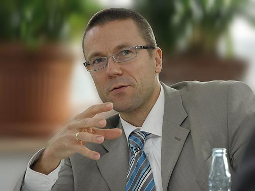 Prof. Uwe Schneidewind
