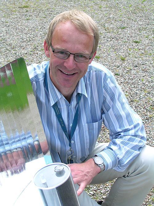 Dr. Hartmut Ehmler und sein Lightoven