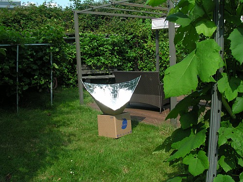 der neue Trichterkocher im Garten